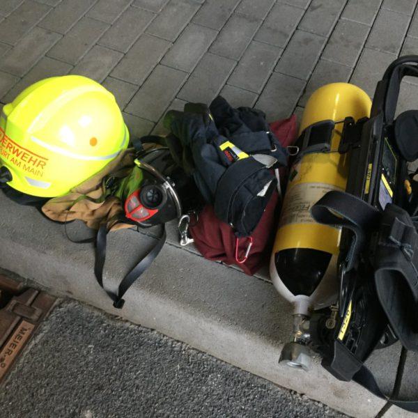 Übung im Brandübungshaus des FRTC